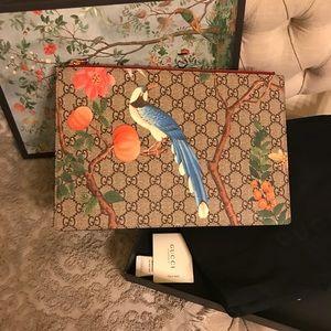 775949c0d13 Gucci Bags - Gucci Tian GG Supreme Zip Pouch